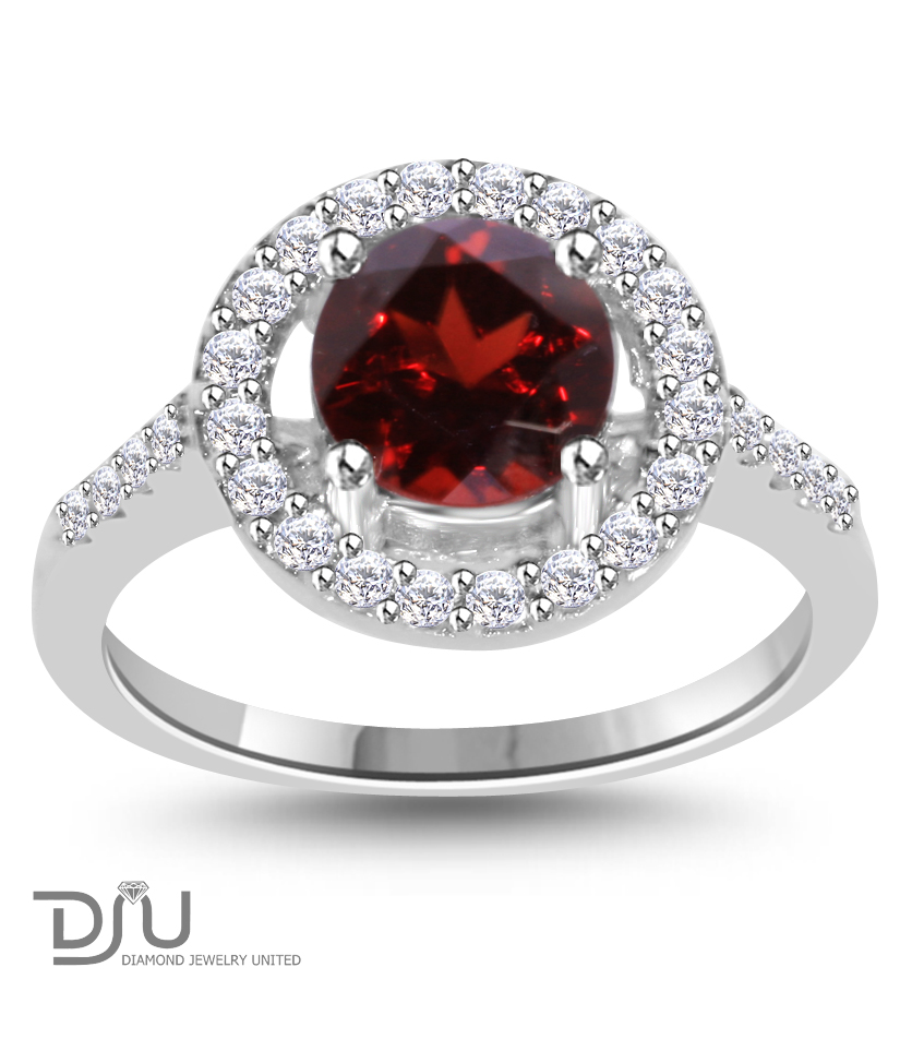 1.5 ct Red Garnet Round Gemstone Ring set in 925 Silver